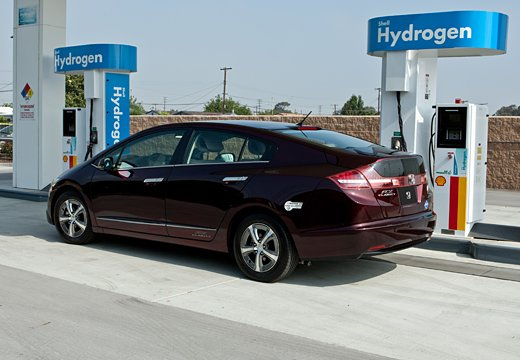 HondaFCX-Clarity-10May2011Scrnshot-4.jpg